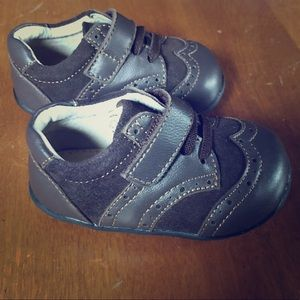 NWOB SEE KAI RUN baby shoes
